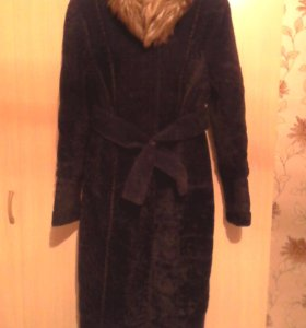 Пальто меховое( шуба)