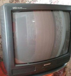 Цветной телевизор в отличном состоянии sharp