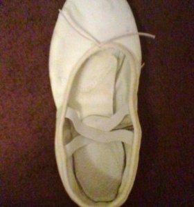 Балетки на каблуке (БЕЛЫЕ)