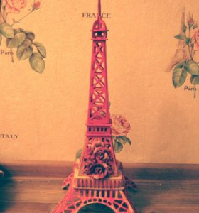 Интерьерная Эйфелева башня