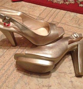 Женские туфельки, ни разу не одеты:)