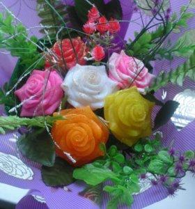 Шикарный букет из роз,и корзина роз к 8 марта