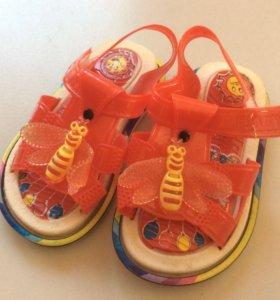 Сланцы сандали