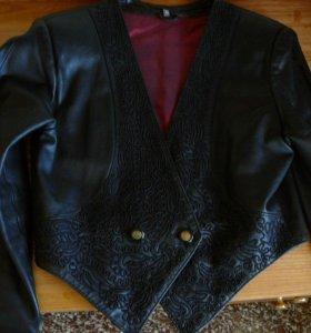 Куртка-пиджак из натуральной кожи