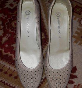 Новые туфли 39р кожа