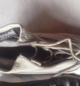 Лыжные ботинки 36р.