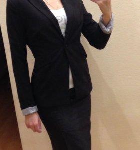 Женский пиджак р. 44 S