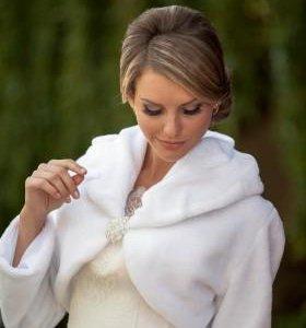 Платья свадебные и шубки