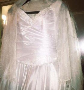 Свадебное платье + новая фата в подарок!