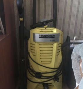КЕРХЕР , моющая машинка.