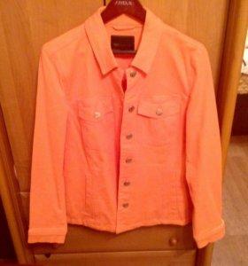 Новый джинсовый пиджак 50-52 размера