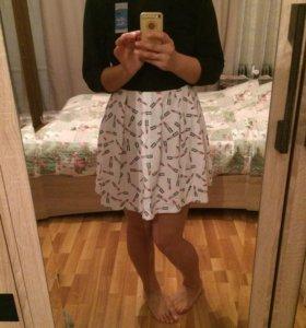 Платье новое, немного утепленное, размер 46-48