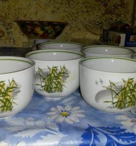 Фарфоровые кружечки чайные.