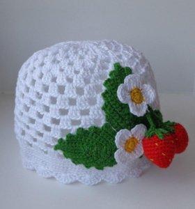 Вязаная шляпка или шапочка Клубничка на заказ