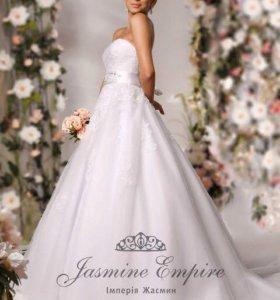 Свадебное платье Jasmine Empire Chrystelle + шубка