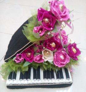Рояль в цветах