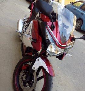 Мотоцикл спорт 250 кубов