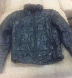 Куртка Adidas б/у 42 р-р