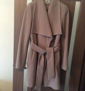 Пальто осеннеее
