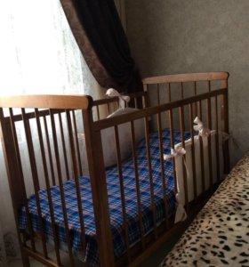 Кроватка из натурального дерева+матрац