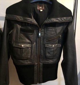 Кожаная куртка JLo размер M