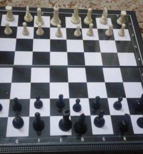 Шахматы и нарды на магнитной доске