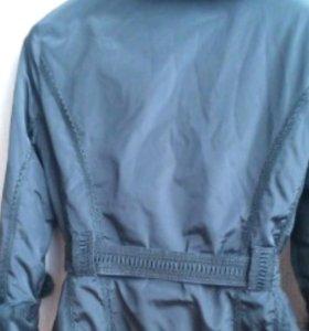 Женская куртка М весна -осень
