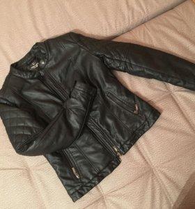 Кожаная куртка ,утепленная,состояние новой