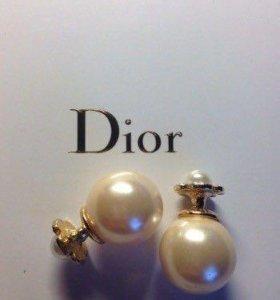 Серёжки пусеты в стиле Dior