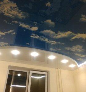 Глянцевые натяжные потолки.