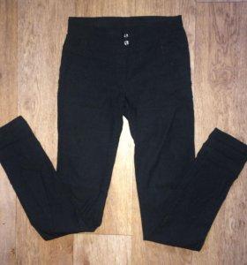 Узкие черные штаны