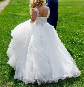 Пышное свадебное платье с кружевным корсетом