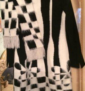 Пальто женское демисезонное  (с шарфом )