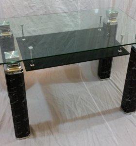 Обеденный стол стеклянный