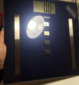 Весы напольные электронные BOSCH PPW3320 Б/У