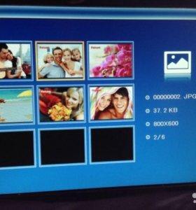 Продам Цифровую фоторамку Rekam DejaView SL880