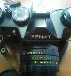 Продаю фотоаппарат Зенит 11