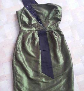 Красивое платье 42 размер
