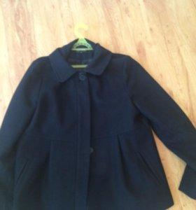 Продаю пальто размер 48