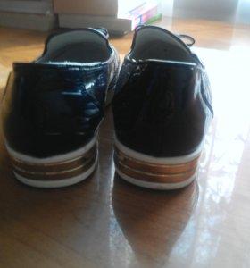 Туфли осенние для девочки подростка