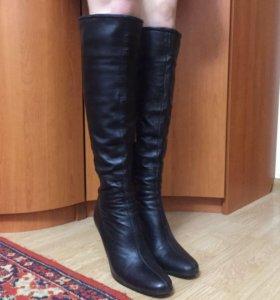 Осенние черные кожаные сапоги ботфорты на шпильке