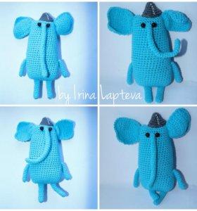Вязаная игрушка амигуруми слон
