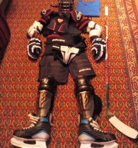 Детская хоккейная экиперовка 10-11 лет