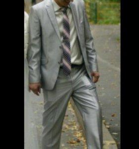 Костюм,рубашка,галстук