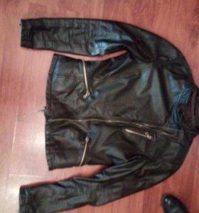 Кожанная куртка 44р