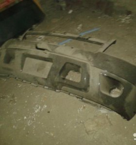 Chevrolet Tahoe Бампер передний
