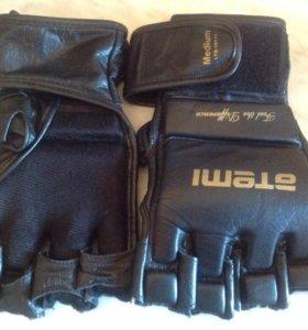 Перчатки для занятия спортом!