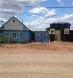 Дом и магазин