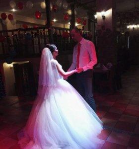 Свадебное платье, фата, кольца
