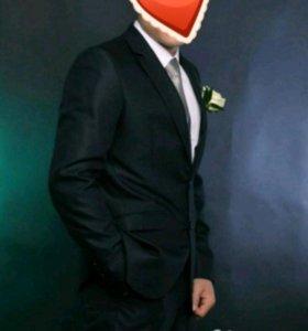 Новый муж. костюм 46-48